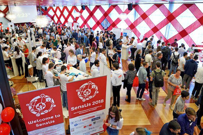Elk jaar trekt het evenement meer bezoekers. Vorig jaar kwamen er 10.000 mensen uit 80 landen naar Eindhoven. Foto: SensUs 2018